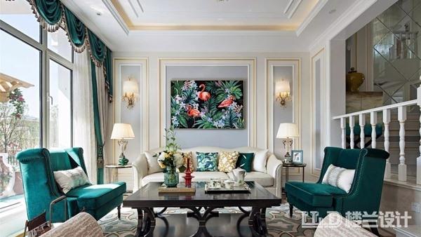 家里客厅太单调,墙面装饰应该怎么做